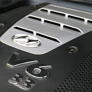 Pigg och varvvillig motor sätter bra fart på Grandeur.
