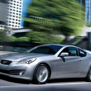 Hyundai Genesis Coupé: Tvärdrag