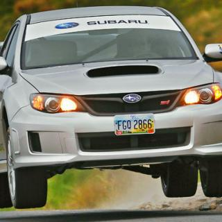 Första bilden på Subaru BRZ STI