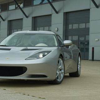 Lotus avslöjar Evora GTC