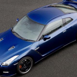 Nissan GT-R: mer av allt