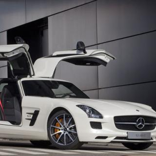 SLS AMG Roadster officiell