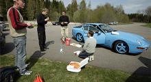 Pizza Express »Blue«. Automobilgänget smörjer kråset.