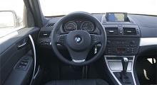 Enkla skolan. X3 har en proper förarmiljö med ett enklare menysystem än BMW:s iDrive erbjuder - tack för det!