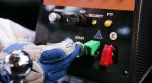 På testbilen var det viktigt att slå av huvudströmmen före varje start, annars kunde den elektroniskt styrda automatlådan få spel - och jag ville inte drabbas av det felet.