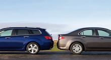 Åttonde generationen Honda Accord är den största hittills och kommer som sedan eller kombi.