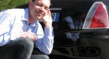 Anders lyssnar gärna när Maseratis maskin går upp i varv.