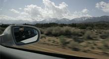 Vi lämnar Los Angeles och åker österut, genom öknen mot Palm Springs.