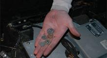 Black Adders bakgrund spåras enkelt med franska francs och med engelska pence.
