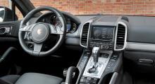 Porsche Cayenne Turbo: svartkonst