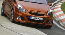 "Opel Corsa OPC hyllar ""Ringen"""