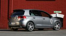 VW Golf GTI firas av fler