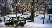 Ute rasar vinterns bistra kyla, välkommen in i stugvärmen!