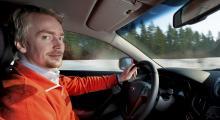 Daniel Östlund låter sig imponeras av det mesta med denna bil.