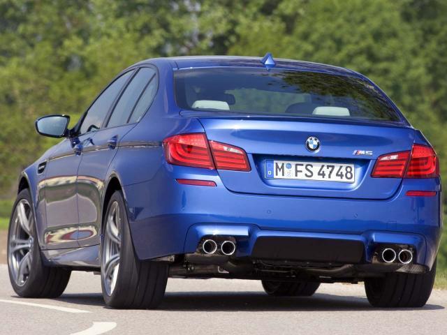 Bildspel BMW M5 2011 first