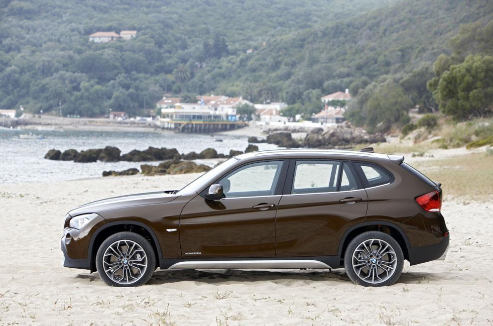 BMW X1, påkörd bakifrån.