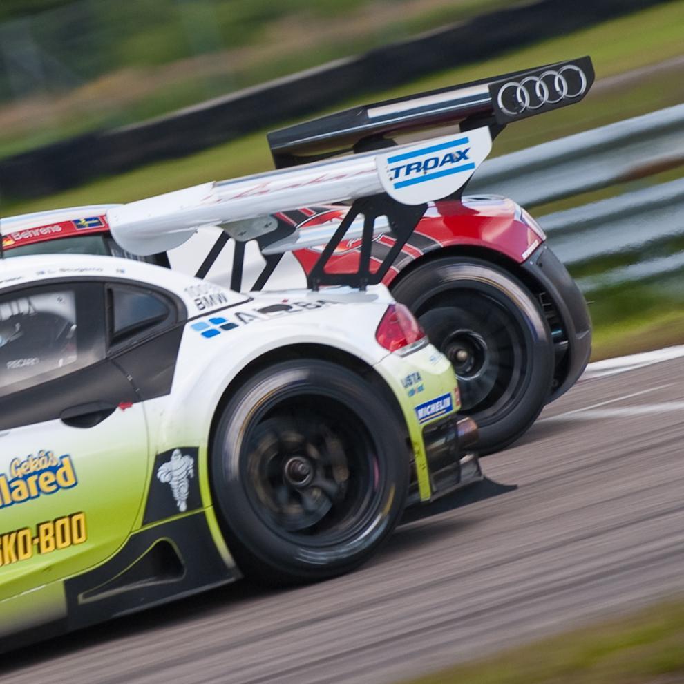 Tät racing, BMW Z4 mot Audi R8.