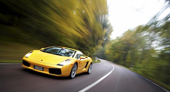 Tävling: Kör en Ferrari eller Lamborghini