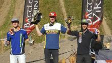 Graham Jarvis flankeras av andrapristagaren Wade Young till vänster och Lars Enöckl till höger.