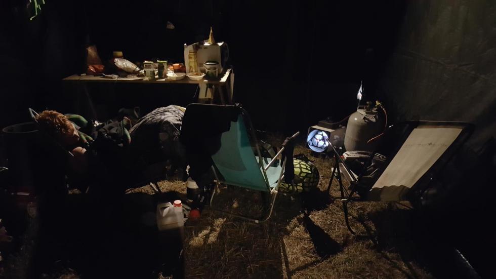 Gripendygnet – där man sover i brassestolar och kör enduro hela natten
