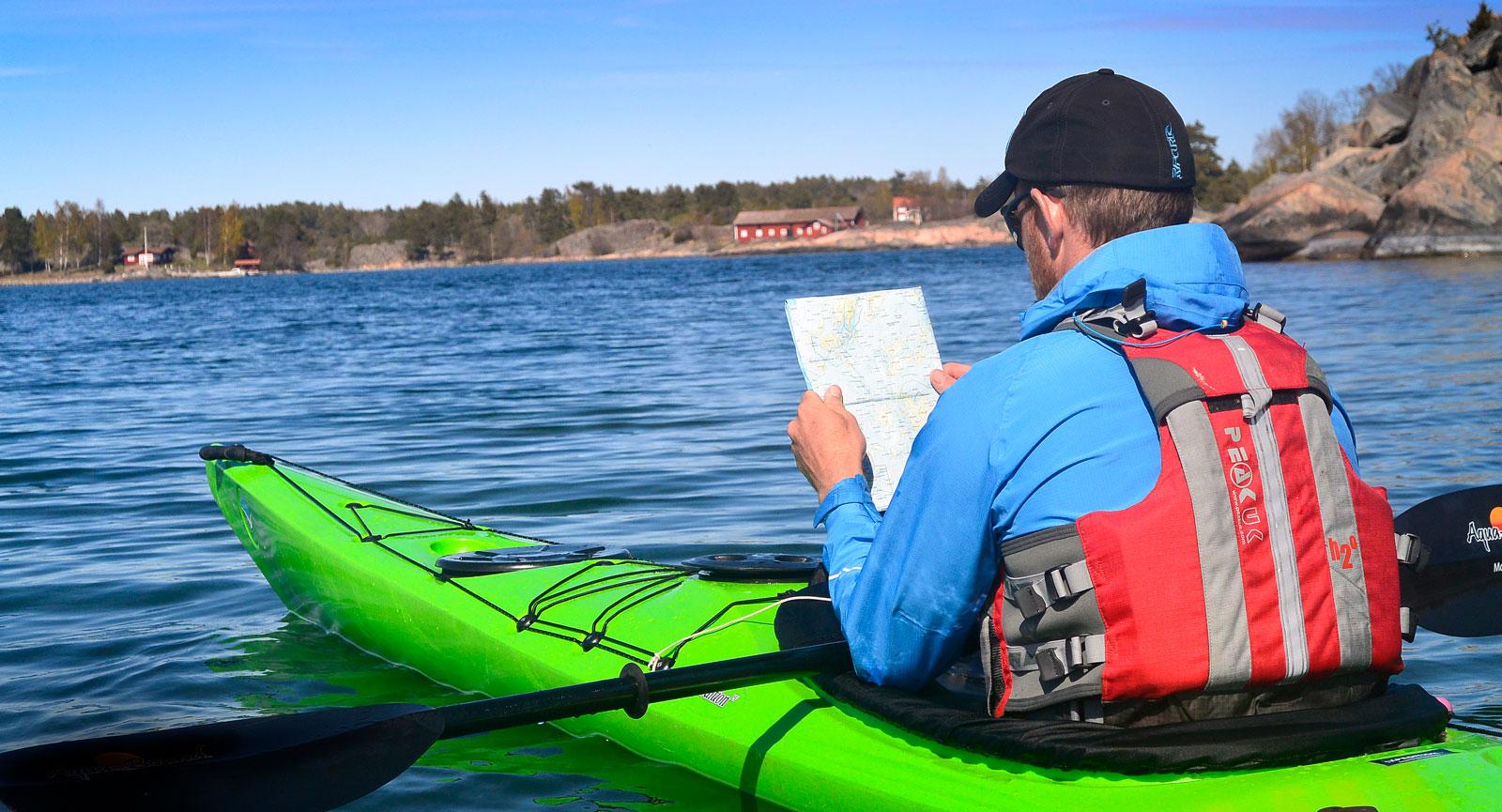 Sjökort under turen är ett måste.