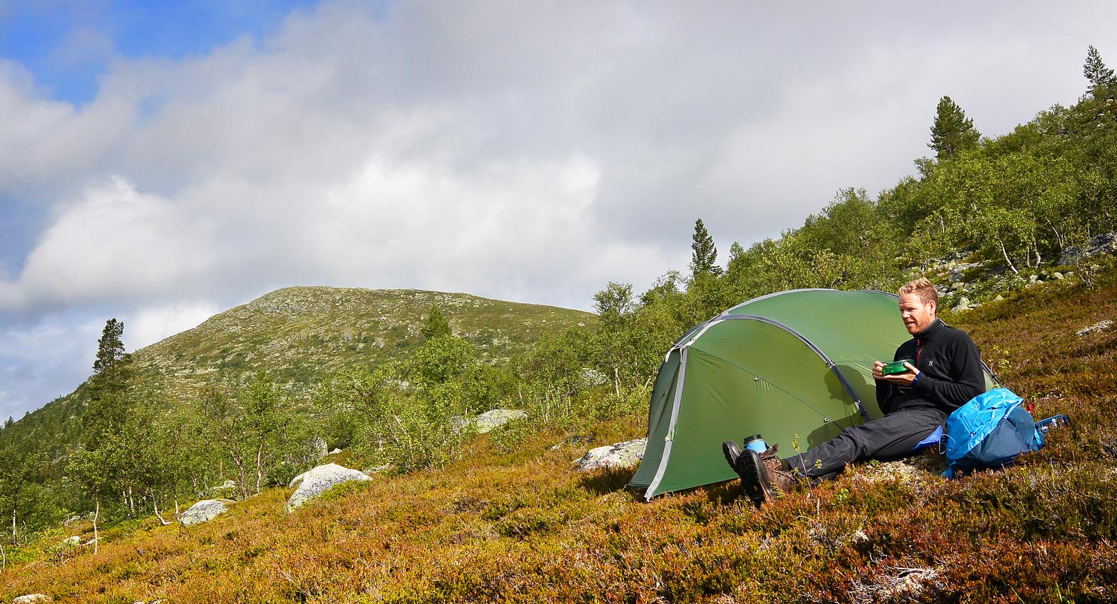 Frukost på ett öde fjäll nära norska gränsen.