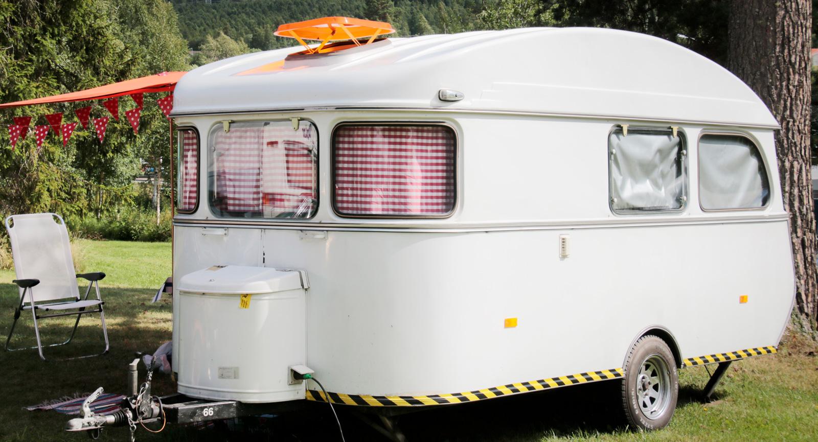Under Classic Car Week i Rättvik finner du en hel del nostalgi på campingplatserna.