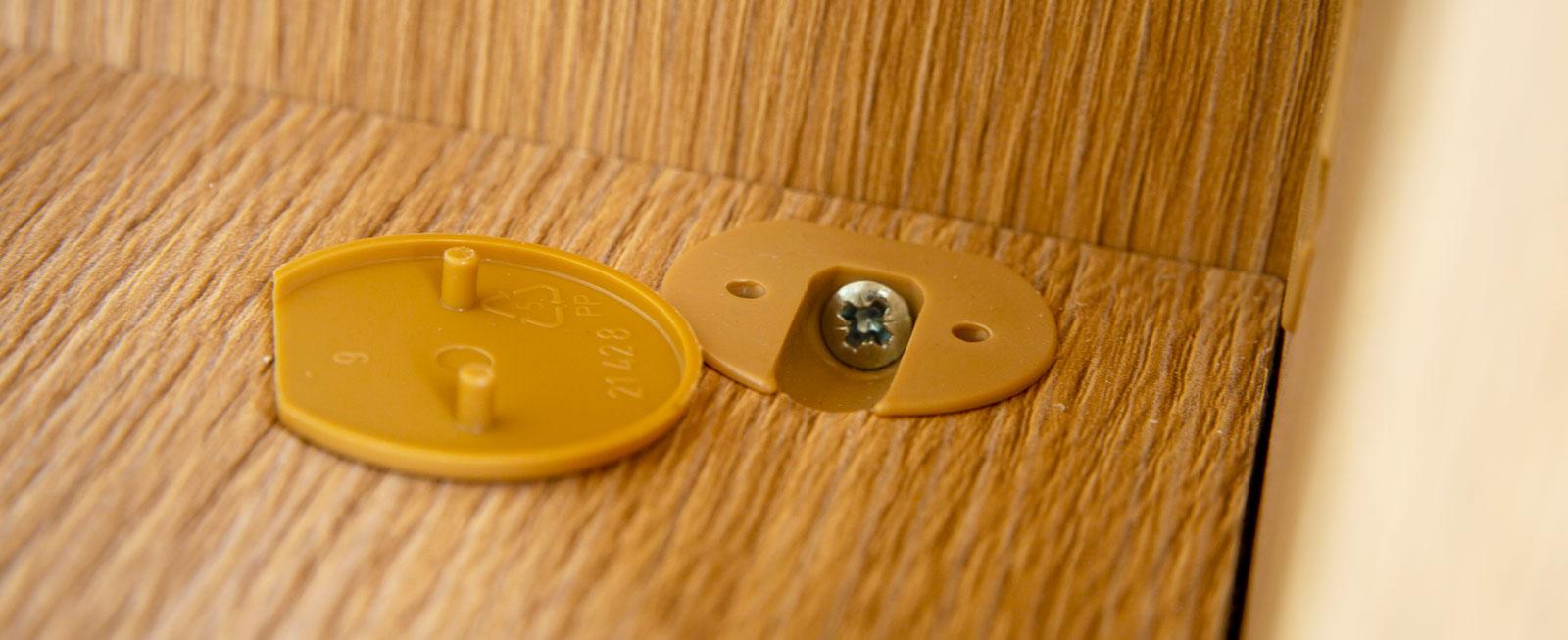 Skruvlock av plast lossnar tyvärr på löpande band.