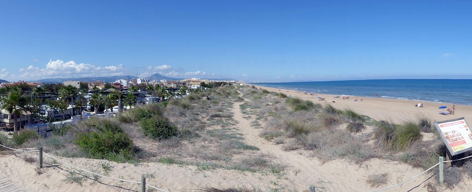 Costa Blanca har över 20 mil sandstränder.