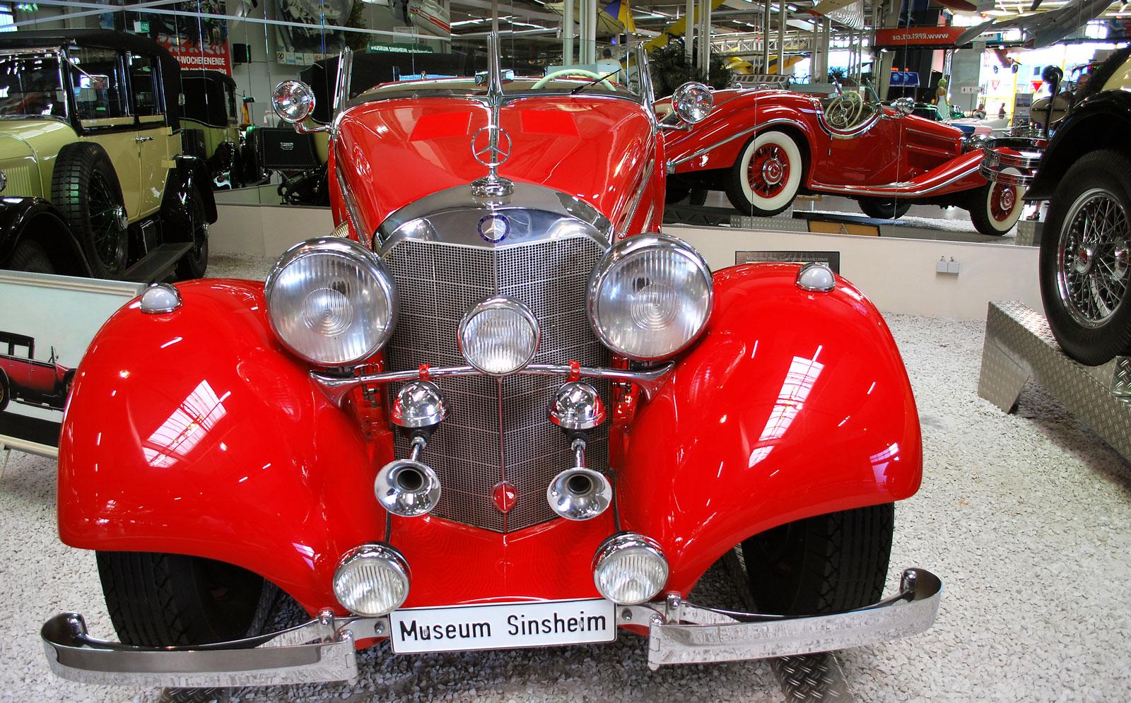 Mercedes Benz 540 K (årsm 1938) är en ståtlig bil.