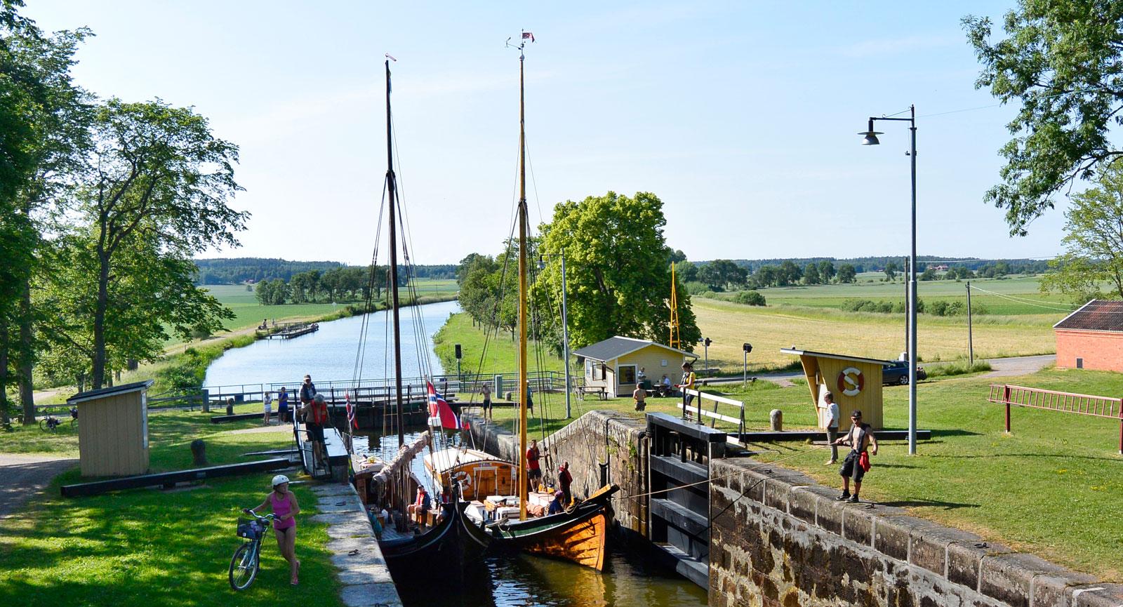 Slussning – en vanlig syn på Göta kanal. Inte färre än 58 slussar finns i kanalen.