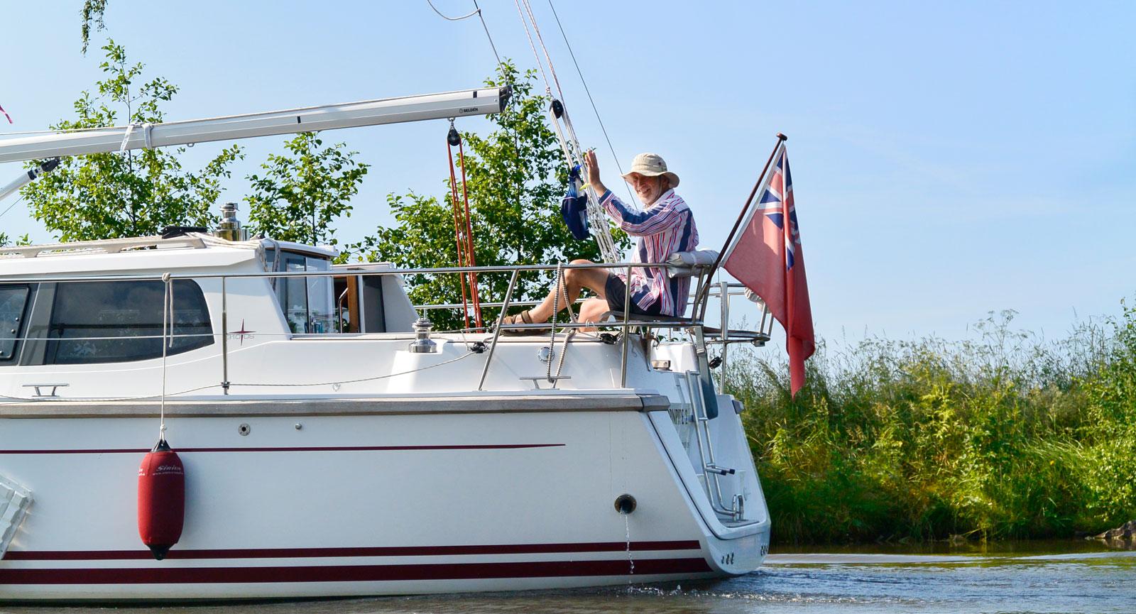Trevliga semesterfirare finns det gott om längs Göta kanal, både på land och vatten.