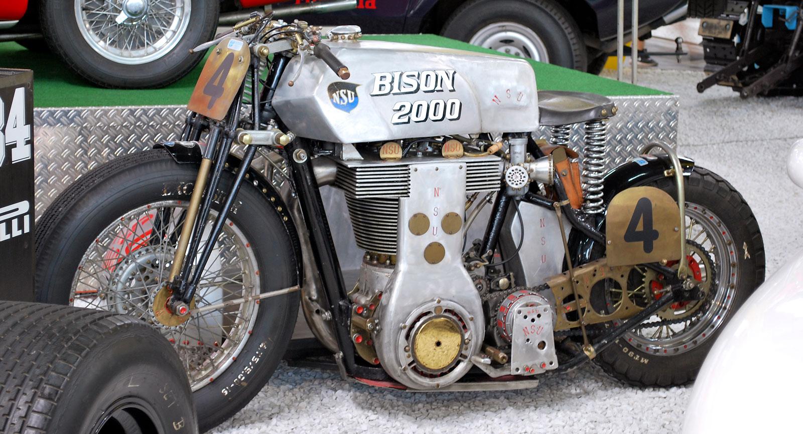 NSU 2000 Bison är riktigt muskulös med sin 2000 kubik stora motor.