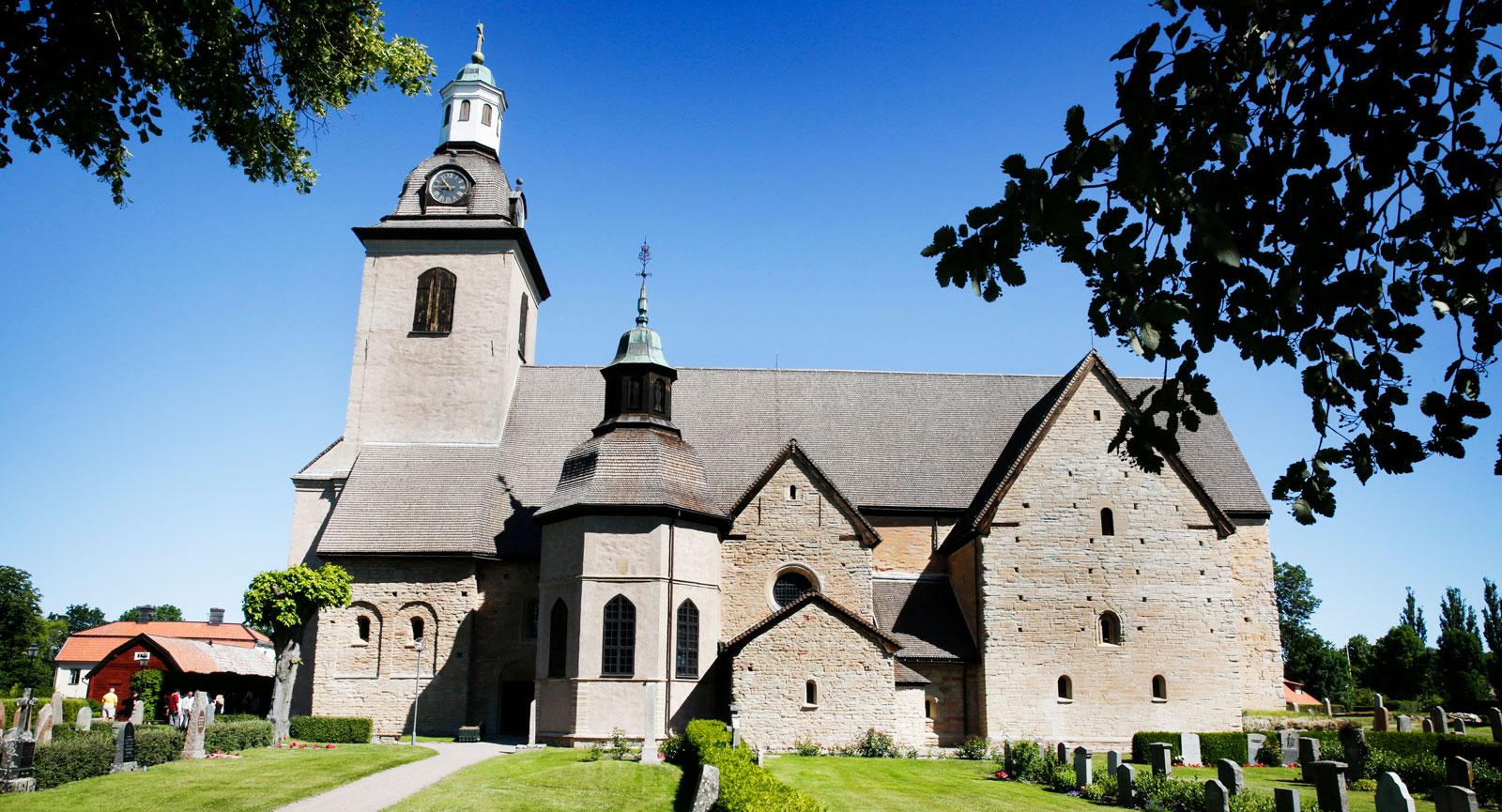 Vreta Kloster kyrka från 1100-talet.