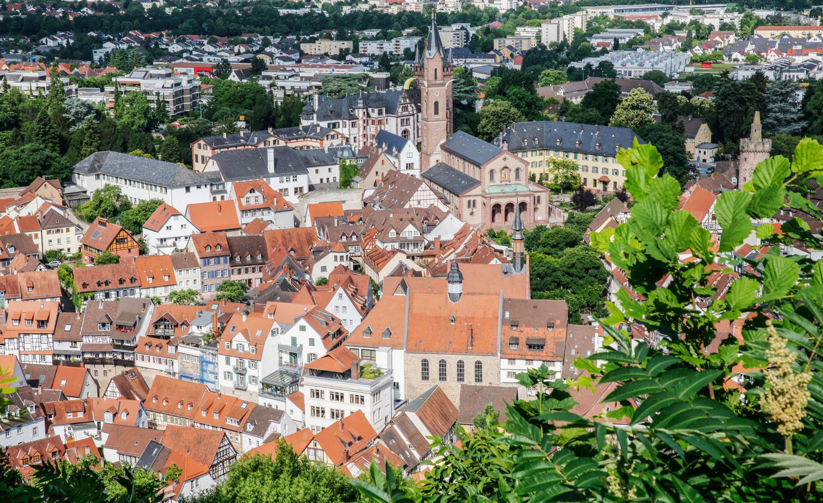 Från slottet Windeck är utsikten över Weinheim magisk.