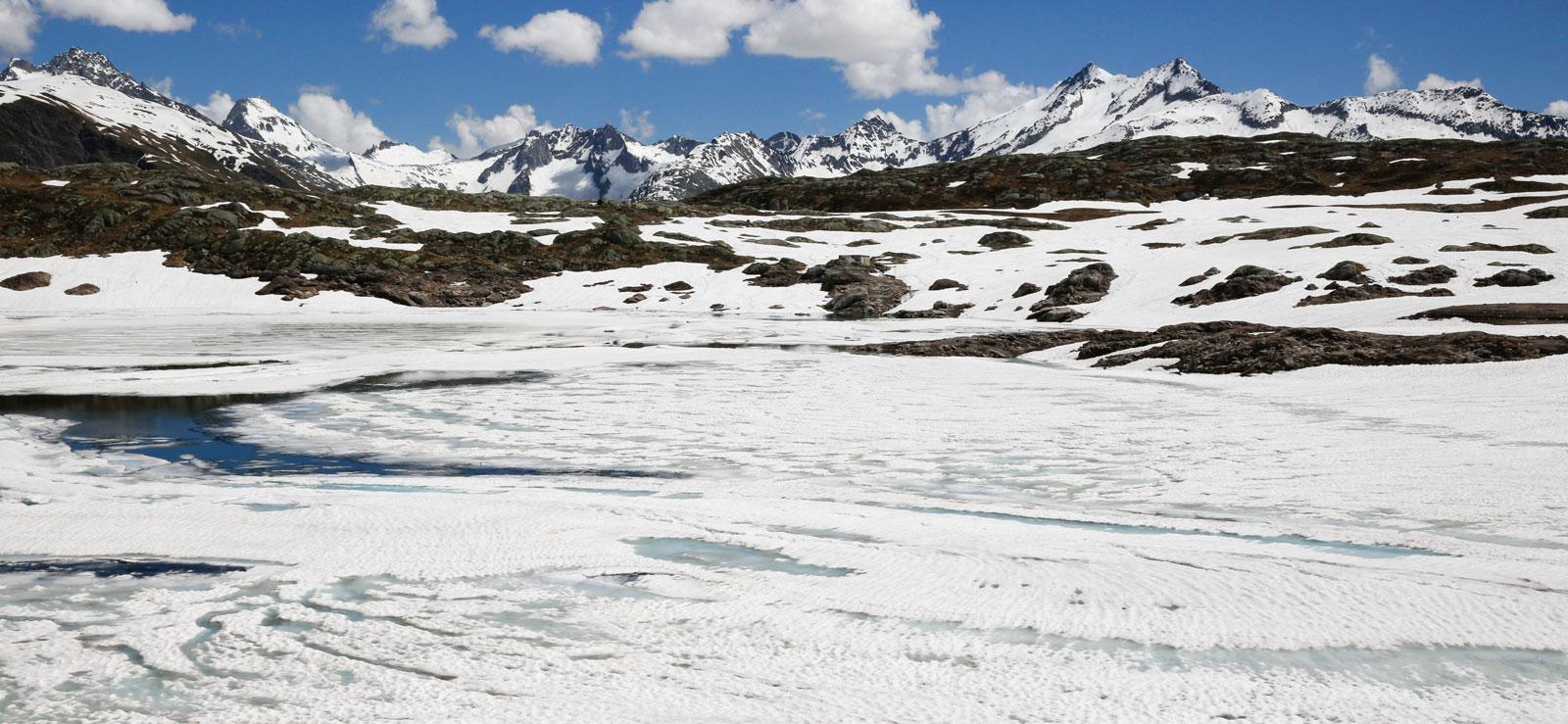 Det ligger fortfarande is på Totensee.