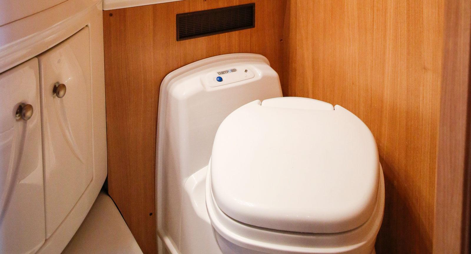 Överdelen på toastolen kan snurras för optimal sittvinkel.