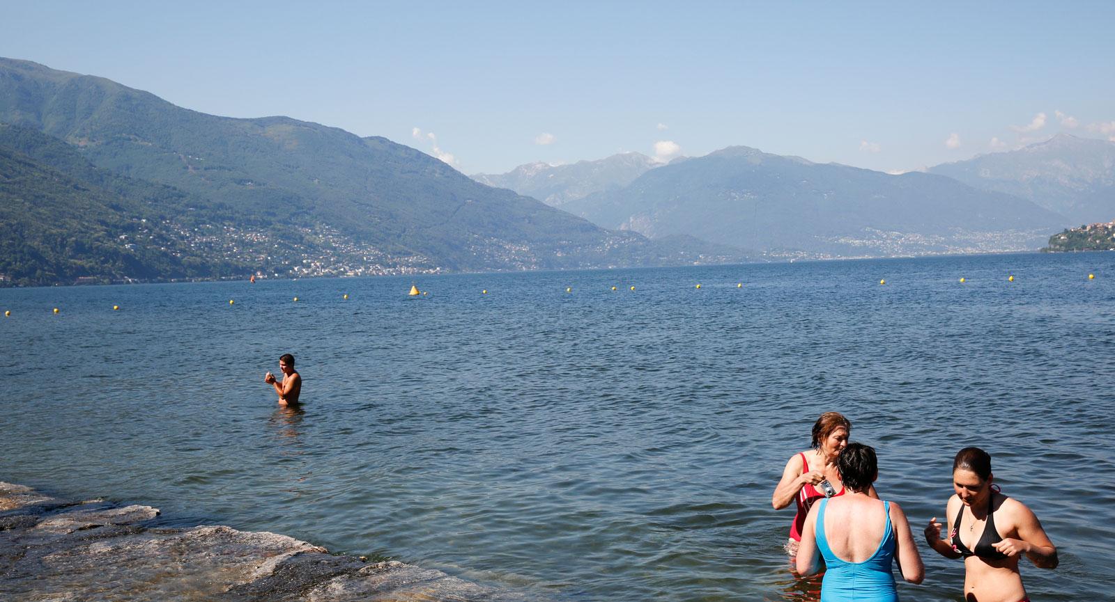 Spontana bad kring Lago Maggiore, Cannero.