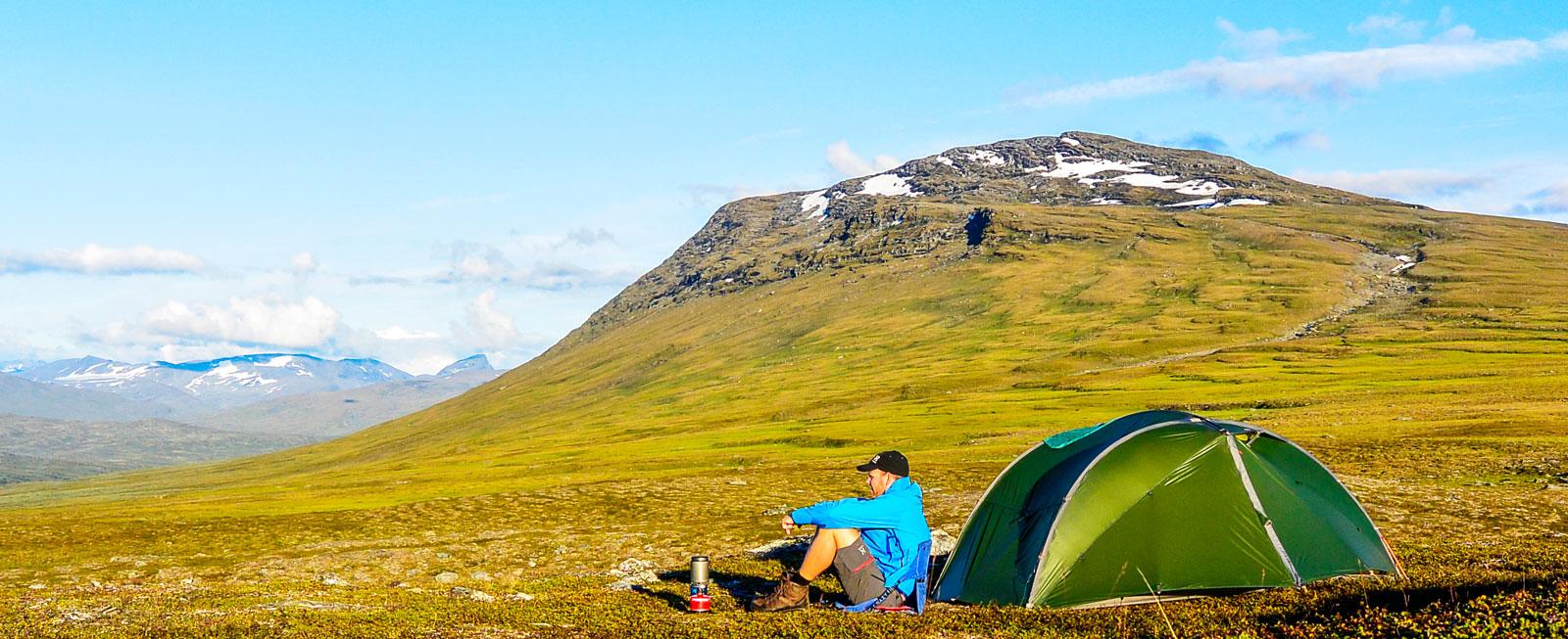 Camping i all ära men en natt på fjället är också underbart.