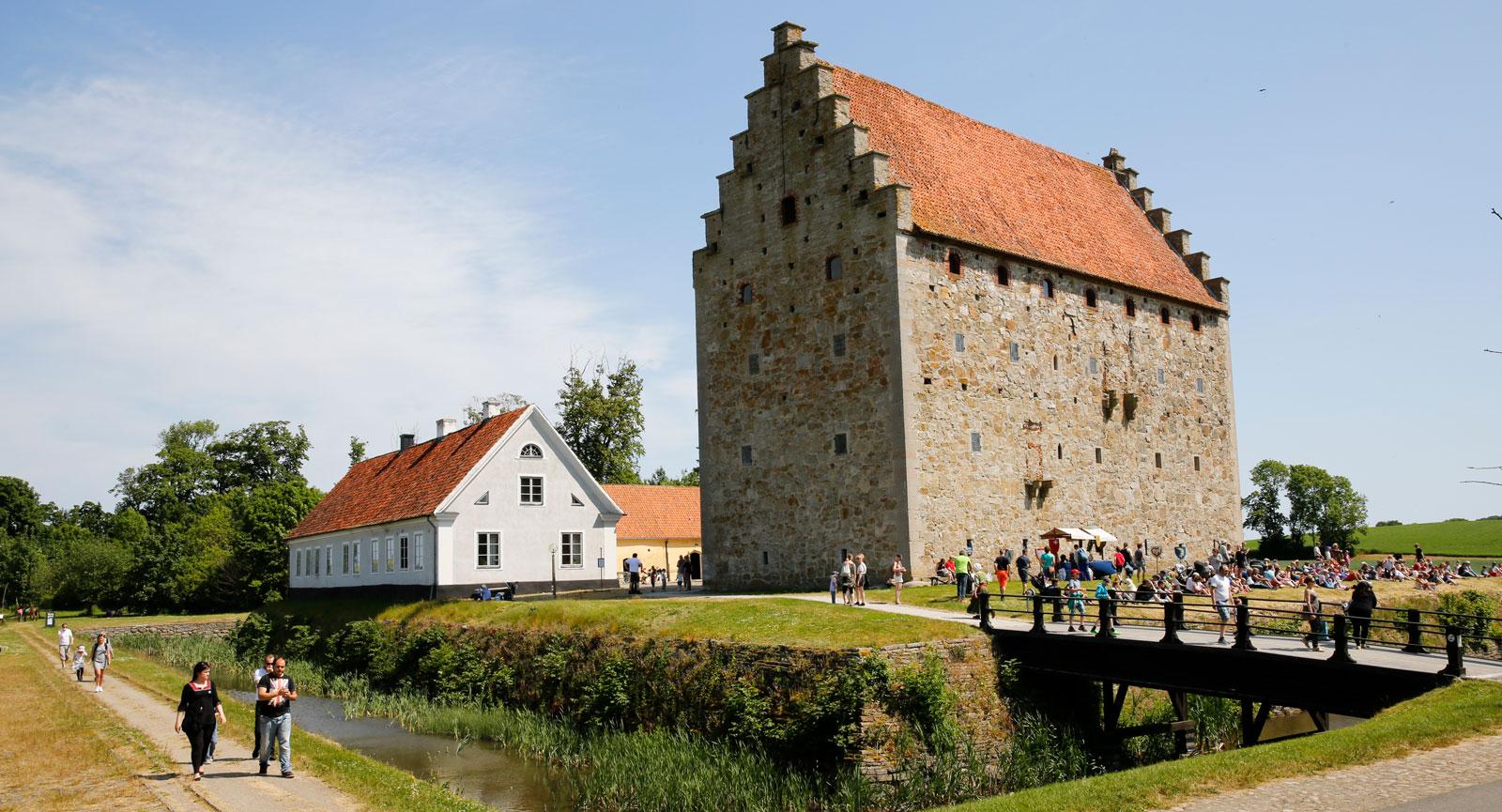 Glimmingehus byggdes i mitten av 1400-talet av Jens Holgersen Ulfstrand.