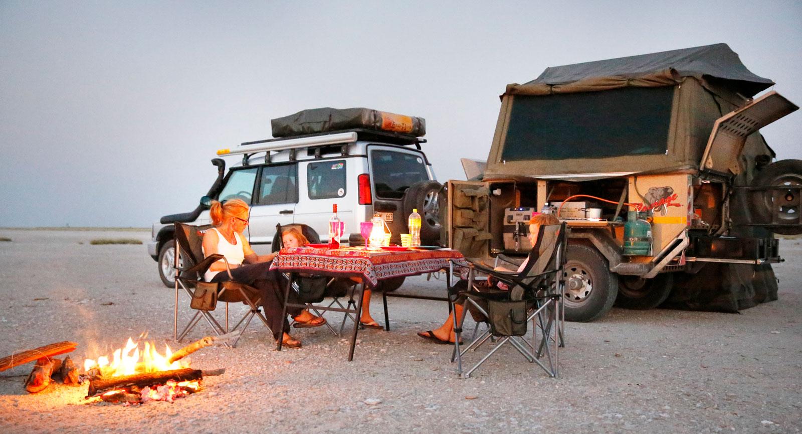 Bushcamping på Makgadikgadi Salt Pan, en av många stunder vi kommer att minnas länge.