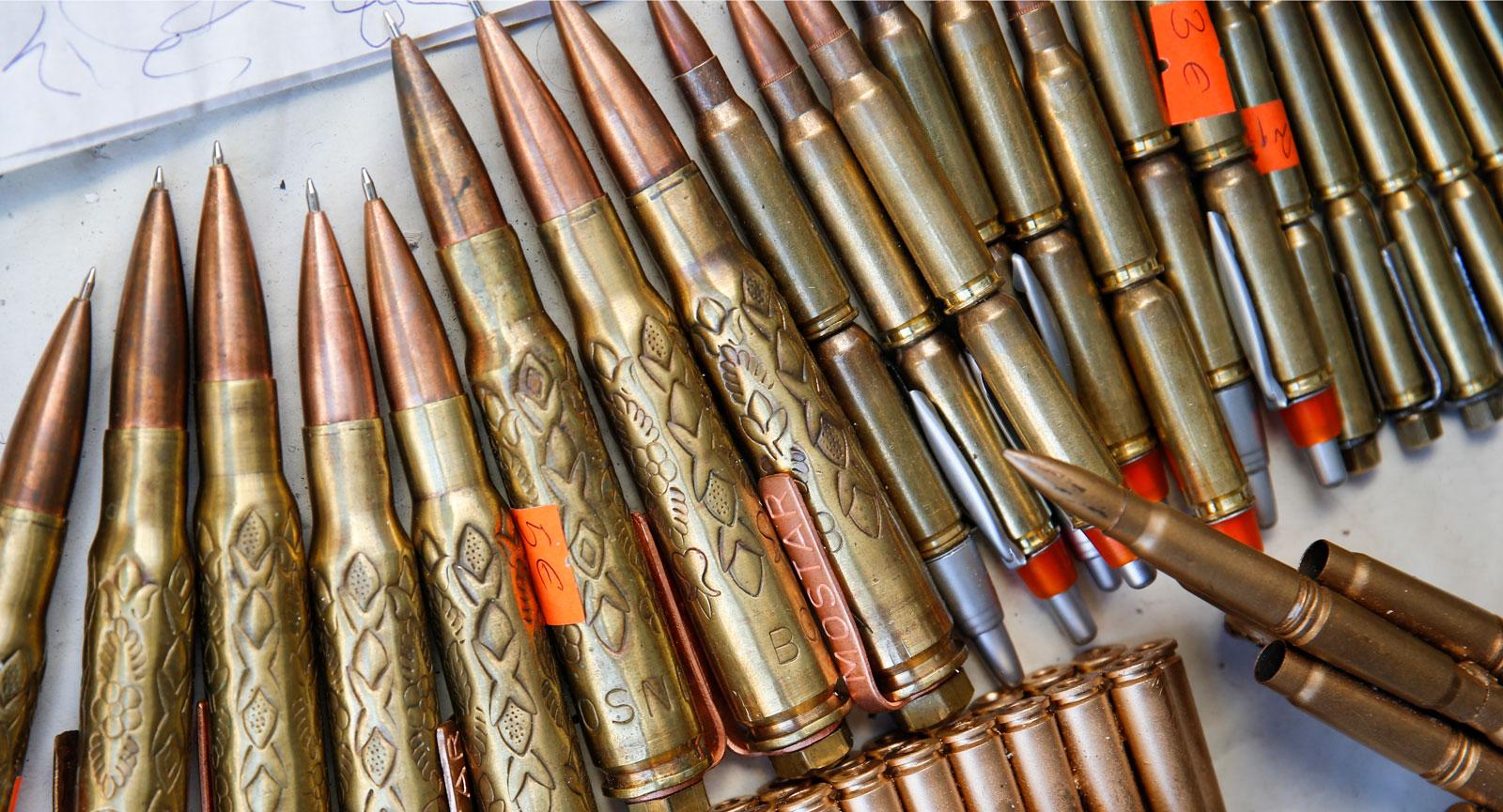 Souvenirer i form av ammunition. Tänk på att vissa kan vara olagliga!