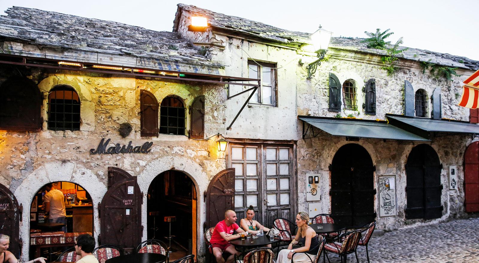 Marshall är en enkel, men trevlig bar/kafé i centrala Mostar.