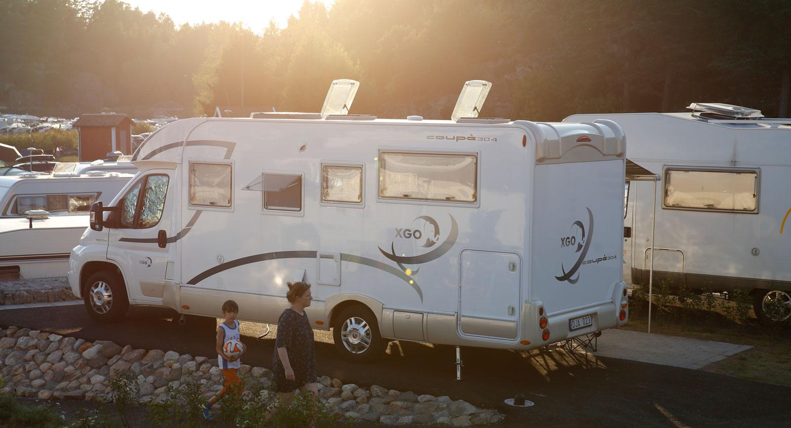 Nybyggda husbilsplatser med både vatten och avlopp framdraget till platserna och med ens blir campinglivet ännu enklare.
