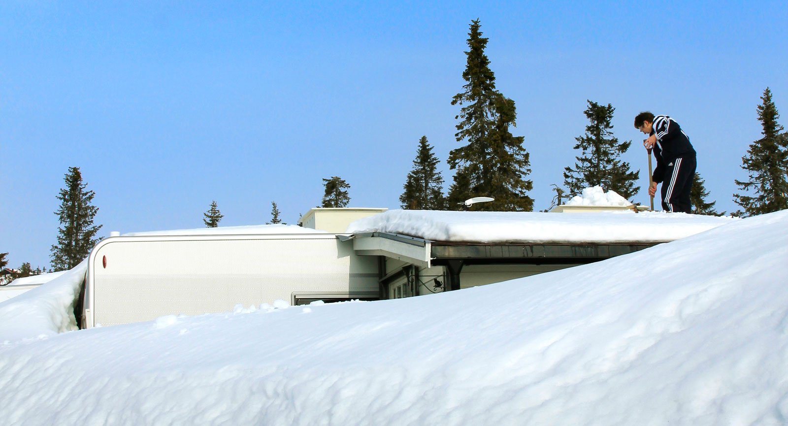 Nederbörd. Kanske är det en av Norges snörikaste campingar du finner i härliga Sjusjøen.