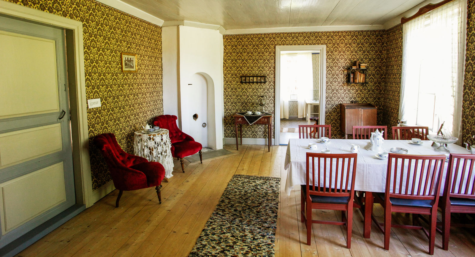 Ett av den herrgårdslika mangårdsbyggnadens rum.
