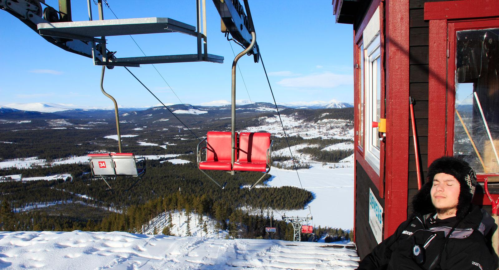 Tännäskrökets alpina anläggning bjuder på två fina skidberg.