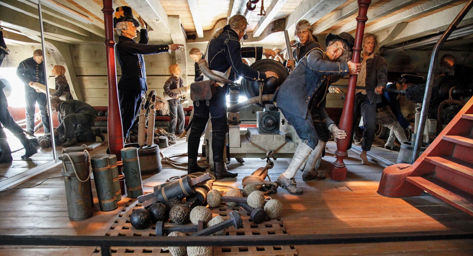 Livet ombord är en utställning som visar konkret hur det kunde se ut och vara för besättningen till sjöss.