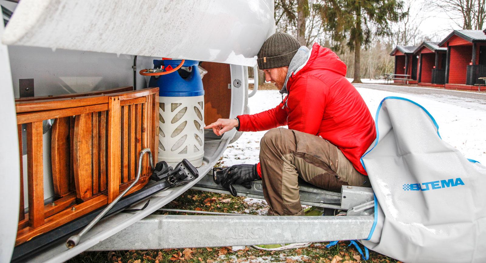 Det draaar! Åtgången på gasol är inte den roligaste aspekten av vintercamping, menar Joacim.