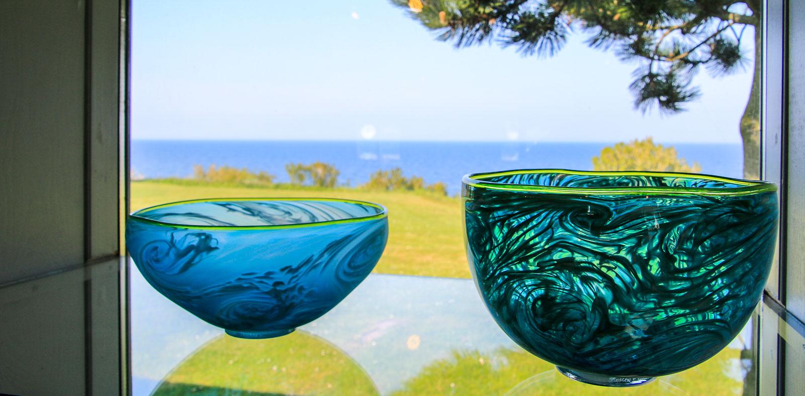 Det finns gott om konstgallerier på ön. Och den Bornholmska glaskonsten är vida känd.
